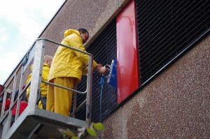 Fassadenreinigung & Graffiti-Entfernung