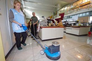 Pflegefilm-Reinigung und Sanierung
